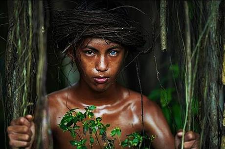 أزرق وبني.. لون العيون في قبيلة إندونيسية يثير الدهشة - الوكيل الاخباري