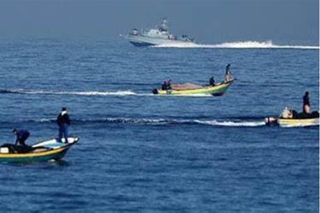 الاحتلال يطلق الرصاص على مراكب الصيادين في غزة