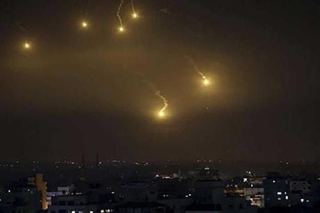 الدفاعات الجوية السورية تتصدى لعدوان اسرائيلي