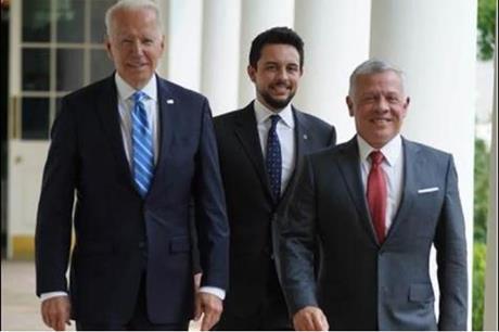 الملك وولي العهد مع بايدن قبيل لقائهم في البيت الأبيض