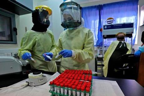وفاة و 63 إصابة جديدة بفيروس كورونا في فلسطين