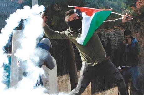نابلس.. إصابتان بالرصاص خلال مواجهات مع الاحتلال في أوصرين