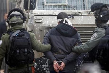 الاحتلال يعتقل 3 مواطنين من رام الله