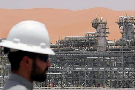 رويترز: منشآت أرامكو لم تتأثر بالهجوم الصاروخي على المنطقة الشرقية للسعودية